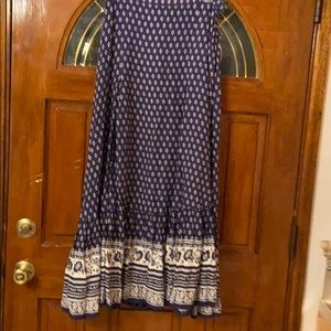 Arrasa beautiful and flowing skirt